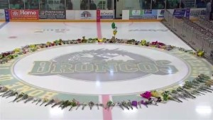 Canadians come together to remember Humboldt Broncos