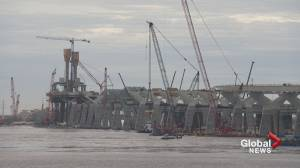 When will the new Champlain Bridge open?