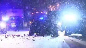 1 dead, 2 injured after car crash in Laval