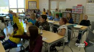 École Holy Mary Catholic School students in awe over fall leaf transformations