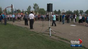 Albertans rally against hate after racist graffiti found in west Edmonton neighbourhood