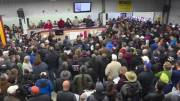 Play video: Hundreds show up for annual unclaimed goods auction