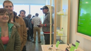 Hundreds flock to 1st Lethbridge cannabis retailer for grand opening