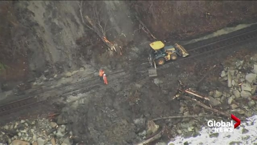 Click to play video: 'Aerial footage of mudslide that stopped Amtrak train from reaching Vancouver'