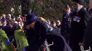 Sophie Trudeau lays wreath at Tomb of the Unknown Soldier