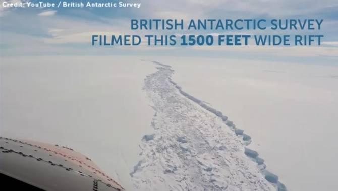 Risultati immagini per British Antarctic Survey (BAS) recently captured this video footage of a huge crack in the Larsen C Ice Shelf