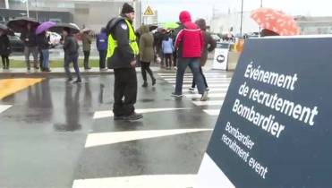 Hundreds wait in line for Bombardier job event in Montreal