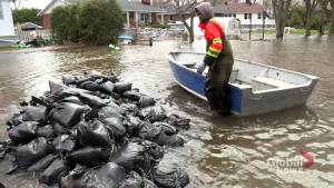 Île-Bizard flood volunteers at odds with borough officials
