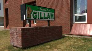Greater police presence deployed in Gillam, Man. to locate suspects connected to B.C. murders