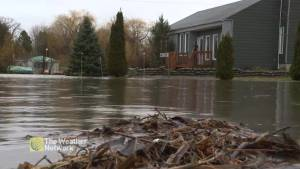 Water levels continue to rise in Rigaud as Quebec deals with record flooding