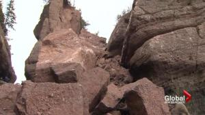 Iconic New Brunswick flowerpot rock collapses: park official