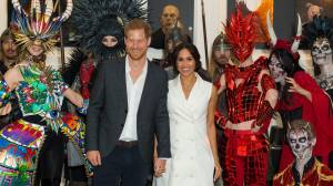 Prince Harry and Meghan mingle with Middle Earth creatures in Wellington