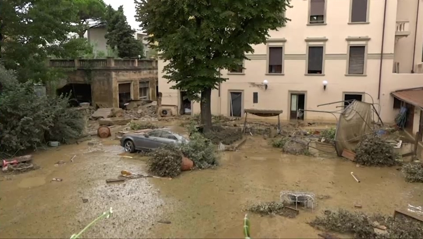 Violent storms are at least 6 dead in Italy