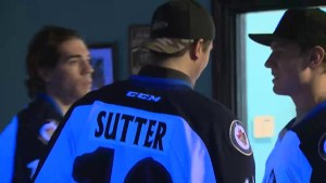 Manitoba Moose players surprise Special Olympics bowlers at local lanes