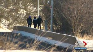 Some Edmontonians venture outdoors despite freezing cold on Boxing Day