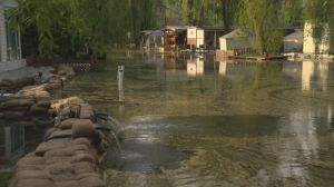 West Kelowna residents hoping canal dam will save homes