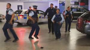 New Zealand cops issue #RunningManChallenge to NYPD, LAPD, Australian police