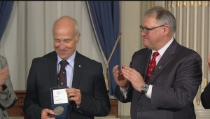 Quebecers receive medals of honour