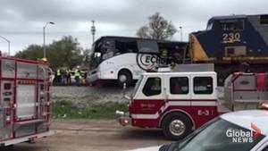 4 dead after train hits bus, drags it 300 feet in Mississippi