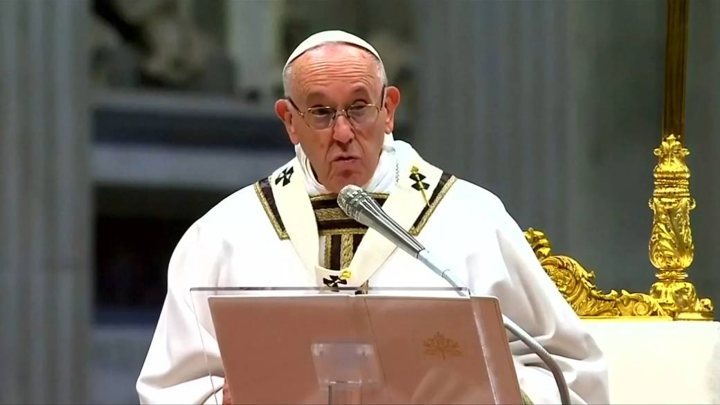 Pope Francis says gay priests, nuns who aren't celibate should ...