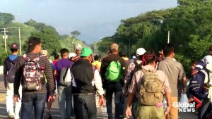 Caravan of migrants continues trek towards U.S.