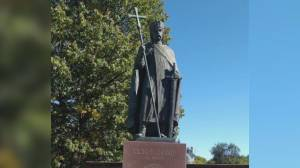 Winnipeg Ukrainian church forgives statue vandals, seeks return of stolen head