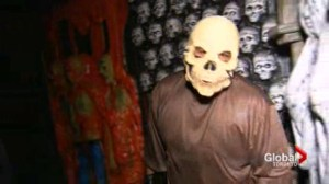 Reporter gets fright of her life during haunted house tour