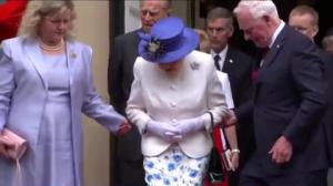 No touching! Governor General David Johnston breaks royal protocol