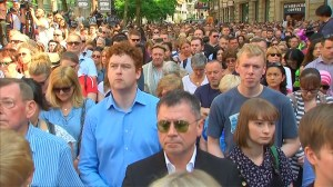 Crowd sings 'Don't Look Back in Anger' following minute silence in Manchester