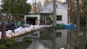 Quebec floods: Hudson residents on high alert