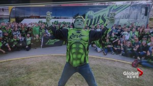 Hulk-dressing Saskatchewan Rush fan faces roadblocks in Calgary game