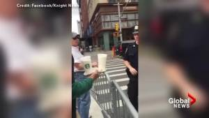 New York man thanks NYPD officers at the scene of Chelsea explosion with coffee and treats