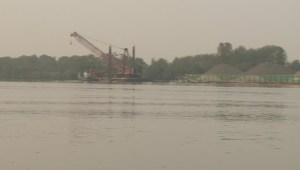 Sunken tugboat leaves thousands of litres of oil in the Fraser Rive