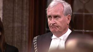 Emotional standing ovation for Sergeant-at-Arms Kevin Vickers as House returns to work