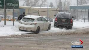 Calgary snow storm causes chaos on the roads (02:24)