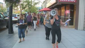 Annual march 'takes back night' in Kelowna (01:38)