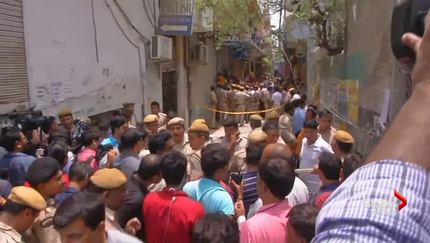 25 arrested after mob lynches man over WhatsApp rumour in India