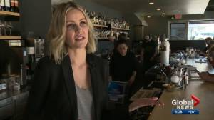 Businesses speak out against Kenney plan to possibly cut minimum wage for some Alberta workers