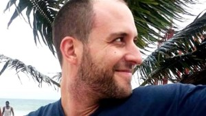 Cameraman with Ebola arrives in U.S., parents able to visit