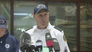 Firefighters hoping for '100% containment' of Burns Bog fire today (01:02)