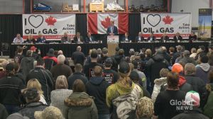 Andrew Scheer speaks at pipeline rally