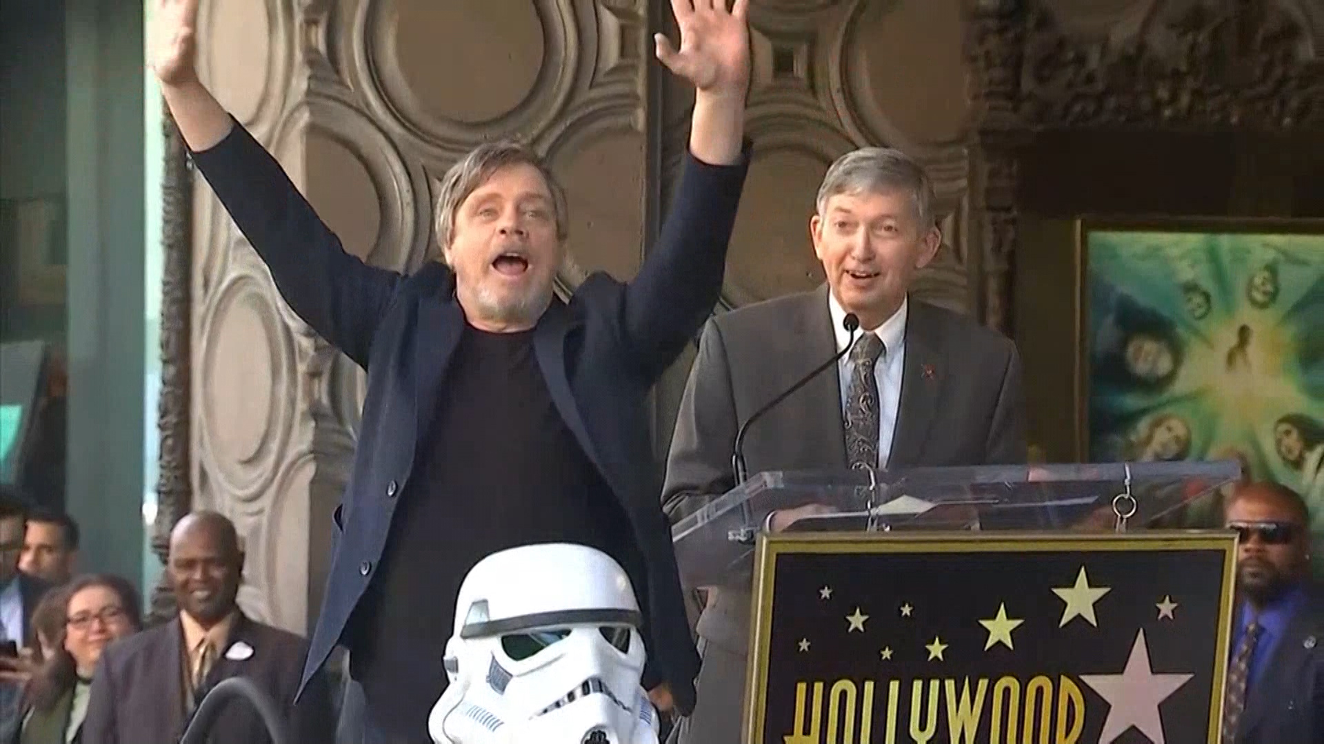 Mark Hamill Offers Sweet Advice to Girl Afraid to Wear 'Star Wars' Shirt to School