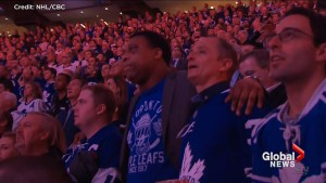 Crowd sings 'O Canada' before start of Leafs, Bruins Game 5 in wake of deadly Toronto van attack