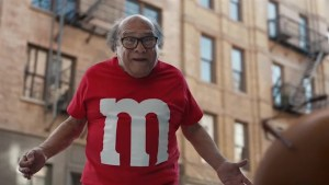 Danny DeVito stars in M&M's 2018 Super Bowl Ad