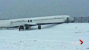 Passengers recount Delta Airlines Flight DL1068 skidding off LaGuardia runway