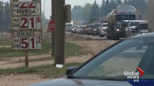 Fort McMurray Wildfire: Evacuees face traffic congestion, long lines for gas