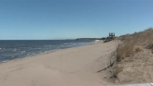 Residents living near Parlee Beach attend open house hosted by province