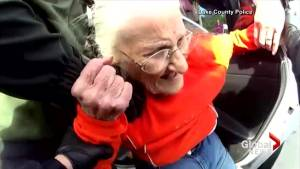 Body cam video shows Florida police forcefully arresting 93-year-old woman (00:45)