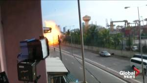 Video captures moment van explodes near Sri Lanka church as police try to defuse bomb (03:11)