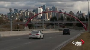 Crews prepare as Calgary under snowfall warning